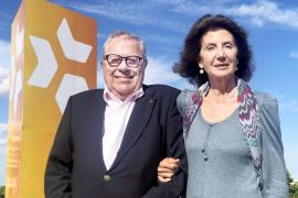 Francisco Vidal junto a Carmen Planas