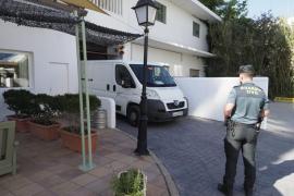 La Guardia Civil investiga la muerte de un joven británico en unos apartamentos de Ibiza