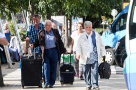 Suspendida provisionalmente la licitación de los viajes del Imserso tras el recurso de los hoteleros
