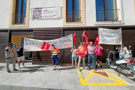 Reunión sin acuerdo entre el personal de limpieza de Sant Antoni y la UTE Portmany