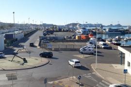 La APB instala una superficie adicional para el embarque de vehículos a Formentera