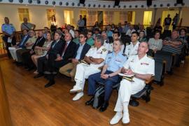 El homenaje a la tripulación del helicóptero 'Sea King' de la Armada en Santa Eulària, en imágenes (Fotos: Marcelo Sastre).