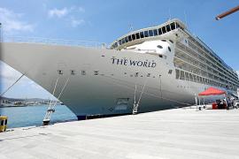 'The World', el crucero-residencia de millonarios atraca tres días en Ibiza