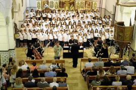 Gran mano a mano de los coros de L'Urgell y Sant Josep
