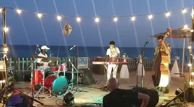Max Holm, Calescott Rubin y Travis Collins dan el pistoletazo de salida al Formentera Jazz Festival 2019