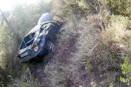Herido un conductor tras una caída de unos 30 metros en Jesús