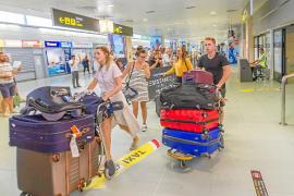 Las compañías aéreas ofrecen 8,6 millones de plazas para el verano, un 3,9 % más que en 2018