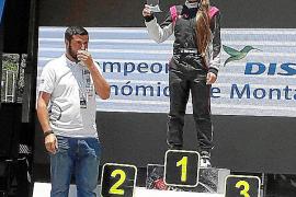 Mari Pau Huguet asciende al tercer puesto del nacional