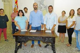 Firma del pacto de centro izquierda en Felanitx
