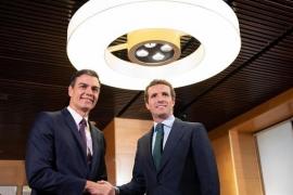 Casado rechaza facilitar la investidura de Sánchez, pero ofrece colaboración en cuestiones de Estado