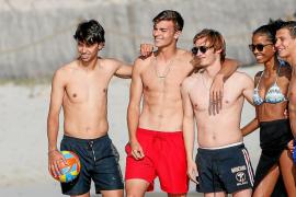 El crack portugués Joao Félix disfruta y carga baterías en Ibiza antes de decidir su futuro