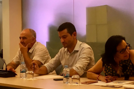 PP y PSOE cortejan a contrarreloj a Joan Torres para obtener su apoyo en Sant Antoni
