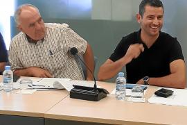 La asamblea de PxE vota a favor de pactar con PP y Cs en Sant Antoni