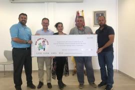 El concurso de frita de porc de Sant Jordi entrega 7.000 euros a la Asociación de Asperger
