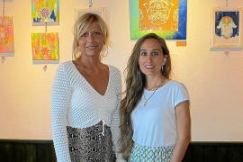 Numerosos rostros de mujeres juntas en una misma exposición