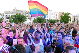 Multitudinaria marcha por los derechos LGTBIQ+ en Ibiza