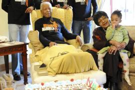 Mandela está fuera de peligro tras someterse a un «diagnóstico» y dejará el hospital en breve