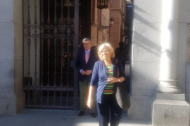 Carmena entrega su renuncia como concejal en Madrid: «Yo ya no soy aquí nadie»