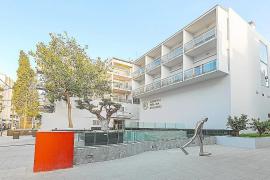 Herido grave un turista que se ha precipitado en un hotel de Ibiza
