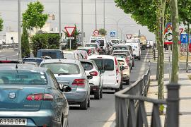 Colapso circulatorio en los accesos a Vila y en la carretera de Santa Eulària