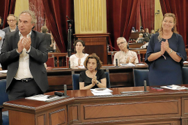Més decide apear a Miquel Ensenyat del Senado y a Fina Santiago del Govern