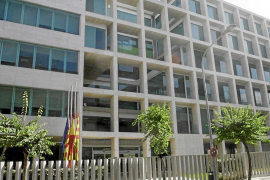 UGT denuncia los problemas de contratación del Consell d'Eivissa