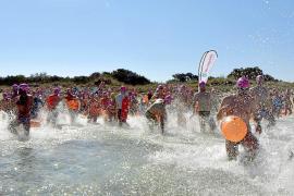 240 personas nadan contra la fibrosis quística