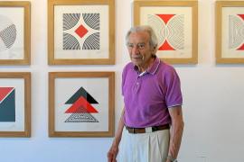 La obra de Julio Bauzá evoluciona hacia el minimalismo con 'Geometrías III'
