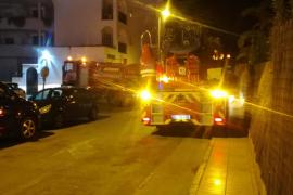 Sobresalto por un incendio en un apartamento de Platja d'en Bossa