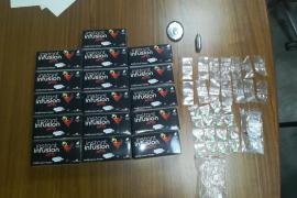 La Policía Local de Ibiza arresta a un hombre con 16 éxtasis y 384 comprimidos de gas de la risa