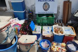 La Policía Local de Sant Antoni denuncia a 13 personas por venta ambulante en las playas