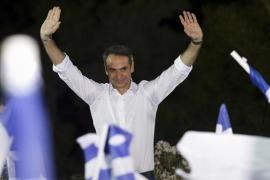 Grecia da la mayoría absoluta a los conservadores
