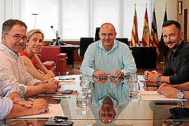 El presidente del Consell se reúne con los cinco alcaldes de la isla