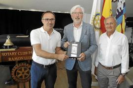 El Rotary Club otorgó el premio Ramon Llull al doctor Antonio de Lacy