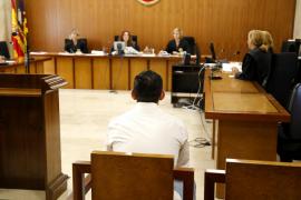 Dos años de prisión por romper un vaso y desfigurar la cara a otro hombre en Ibiza