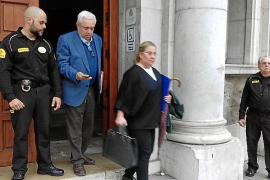 La exsecretaria del obispo retira la acusación contra su exmarido
