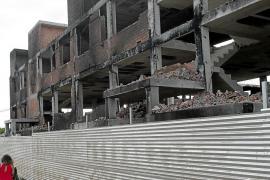 La propiedad del edificio de es Viver sigue sin dar noticias y ya debe más de 200.000 euros a Vila