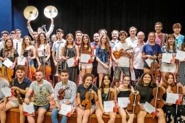 Reconocimiento a los profesores y alumnos de la VI Trobada Orquestral