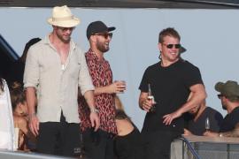 Elsa Pataky, Chris Hemsworth y Matt Damon disfrutan de unos días en Ibiza