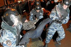 Cientos de detenidos en Rusia en las protestas contra la victoria de Putin