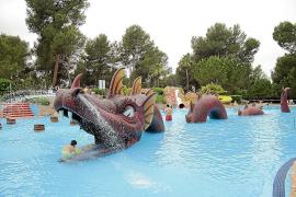 Piden tres años de cárcel por abusos a una menor en un parque acuático de Mallorca