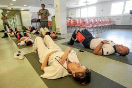 Yoga para reducir el estrés y la tensión física y emocional en el 061