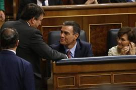 Sánchez afronta su investidura mientras negocia con Podemos