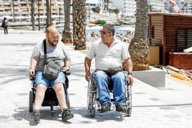 Dos vecinos denuncian la poca accesibilidad del remodelado paseo de ses Figueretes
