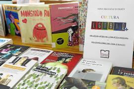 La biblioteca de Ibiza se vuelca con el colectivo LGTBIQ+