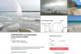 Alquilan por 210 euros un iglú de plástico en la playa de Migjorn de Formentera