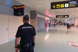 Tres detenidos en el aeropuerto de Ibiza por falsedad documental