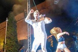Carlos Baute suena a 'Amor y dolor' en el parque Reina Sofía de Ibiza
