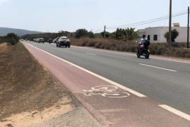 Un conductor ebrio embiste y mata a dos motoristas en Formentera