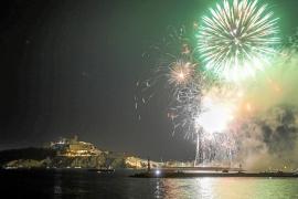 Explosión de color en el cielo de Ibiza para cerrar el Vuit d'Agost